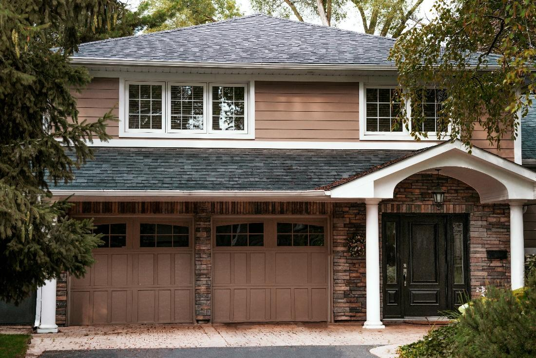 the best garage door buying guide in clearwater fl