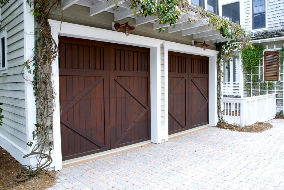 when do you replace your garage door