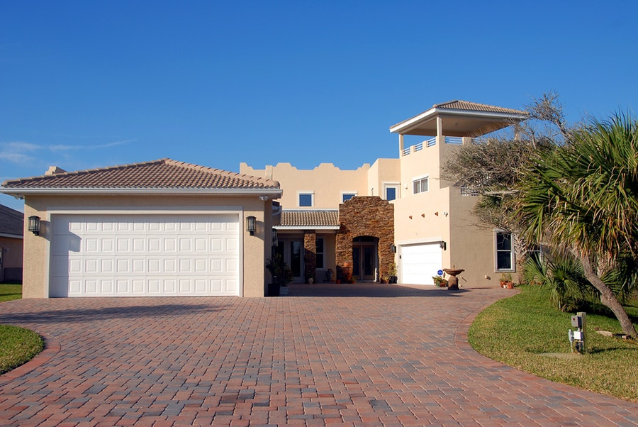 Things To Consider Before You Replace The Garage Door