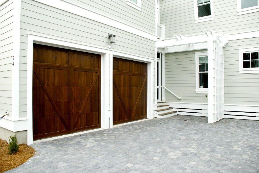 Call an expert garage door repair company