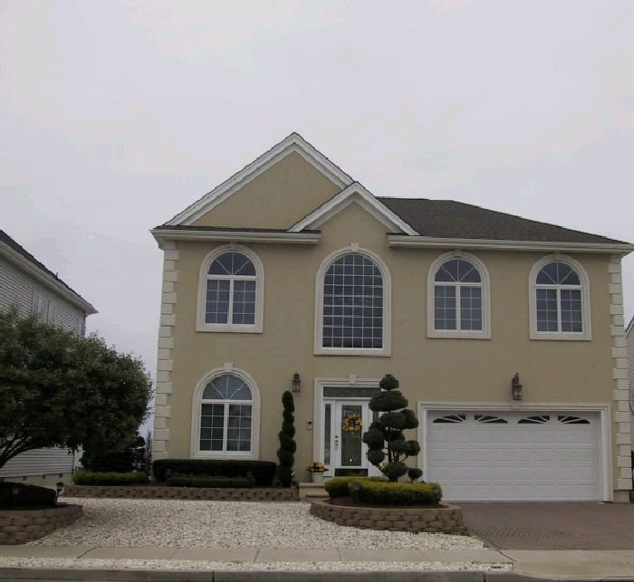 New Jersey house white garage door