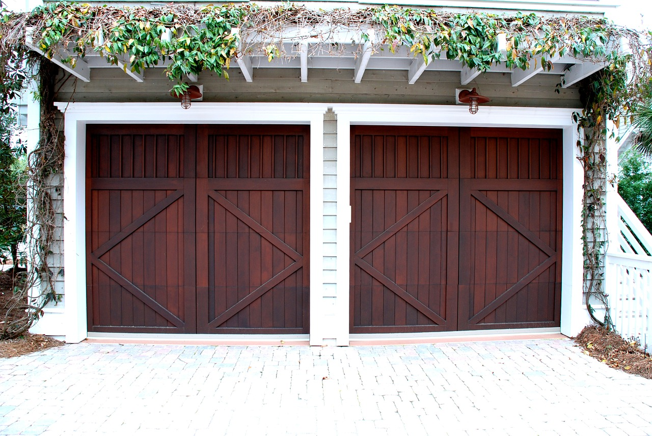 Energy Efficient Garage door Installation Clubhouse Estate